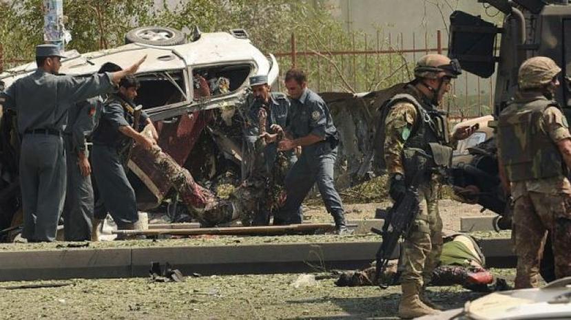 Usa ritirerà 5.400 soldati dall'Afghanistan. Attentato a Kabul