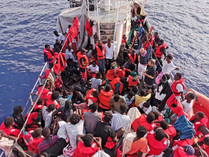 Eleonore forza divieto di ingresso. A Pozzallo in arrivo 100 migranti
