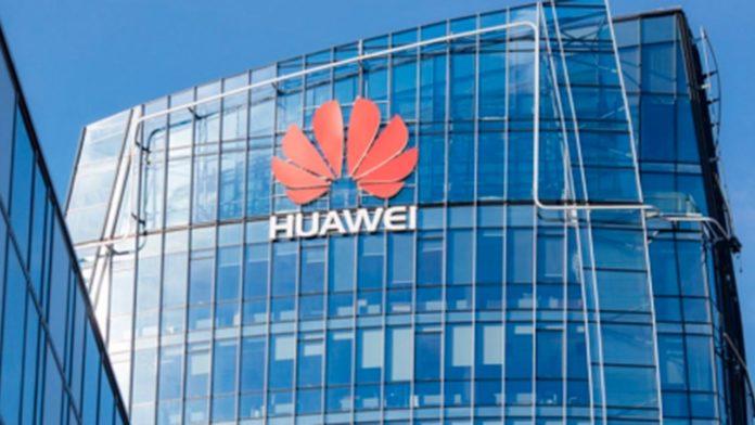 Anche in Campania Huawei favorisce l'inclusione digitale con la donazione di PC alle scuole