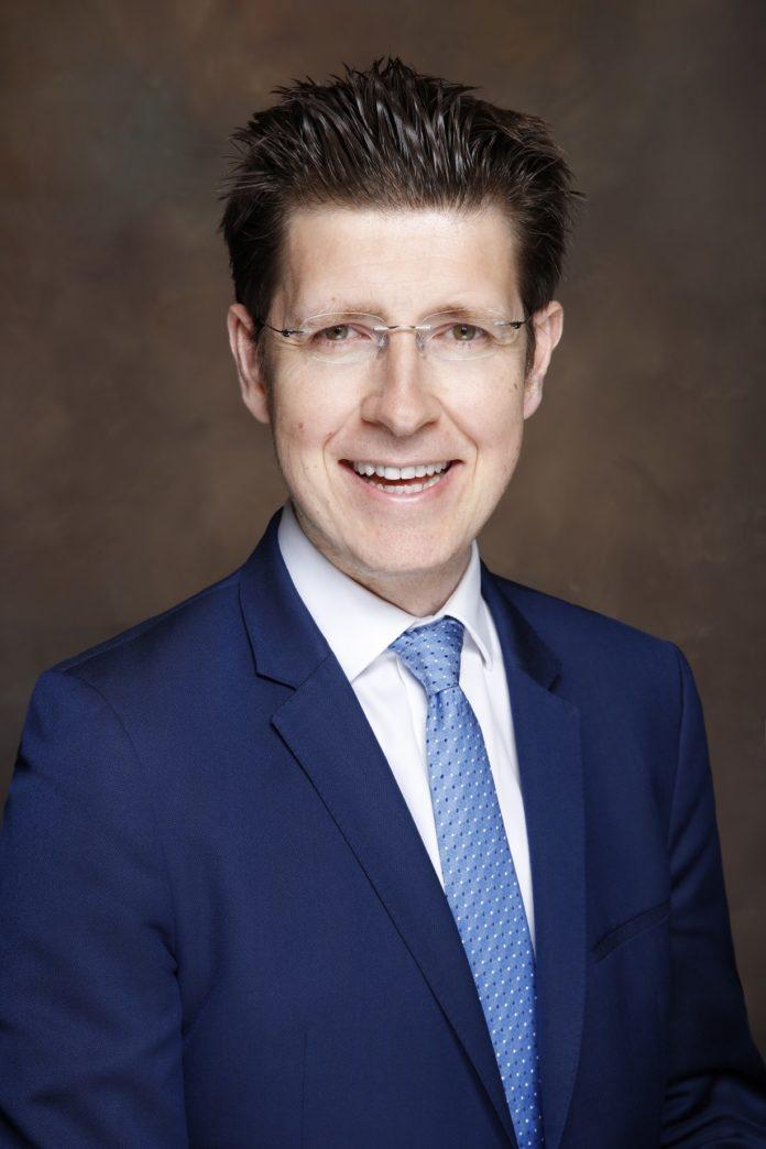 Tomasz Wieladek, Economista internazionale, T. Rowe Price