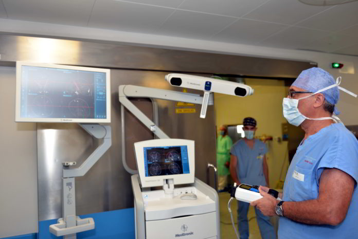 Neurochirurgia cerebrale, intervento con braccio robotico a Padova