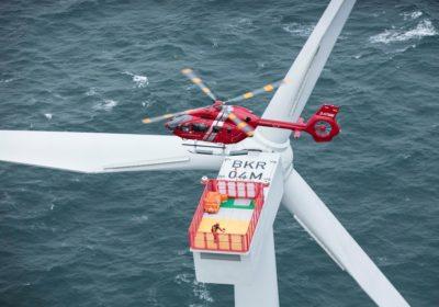 HTM-Helicopters diventa il primo operatore a utilizzare il nuovo Airbus H145 per le operazioni nell'eolico offshore