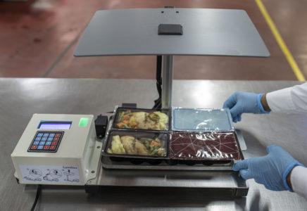 Etihad Airways: l'intelligenza artificale per ridurre lo spreco di cibo sui propri voli