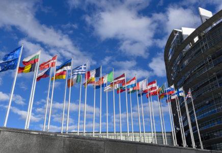COVID-19: intensificare gli sforzi UE per affrontare la carenza di medicinali