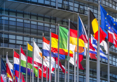 Intelligenza artificiale: il Parlamento Europeo getta le basi per le prime regole UE