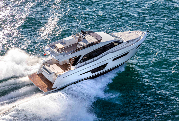 Nuovo Ferretti Yachts 500: navigare Just Like Home