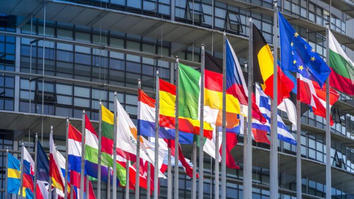 Quattro italiani su cinque vogliono un'UE con più poteri per affrontare la pandemia