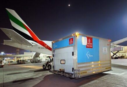 Emirates SkyCargo ha distribuito 50 milioni di dosi di vaccino anti Covid a oltre 50 destinazioni