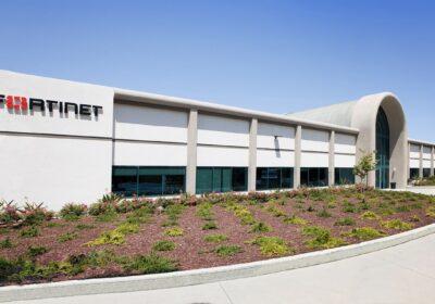 Fortinet estende il Security Fabric con il Next-Generation Firewall più veloce al mondo