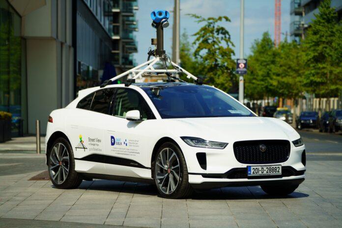 a Dublino con una Jaguar I-Pace elettrica