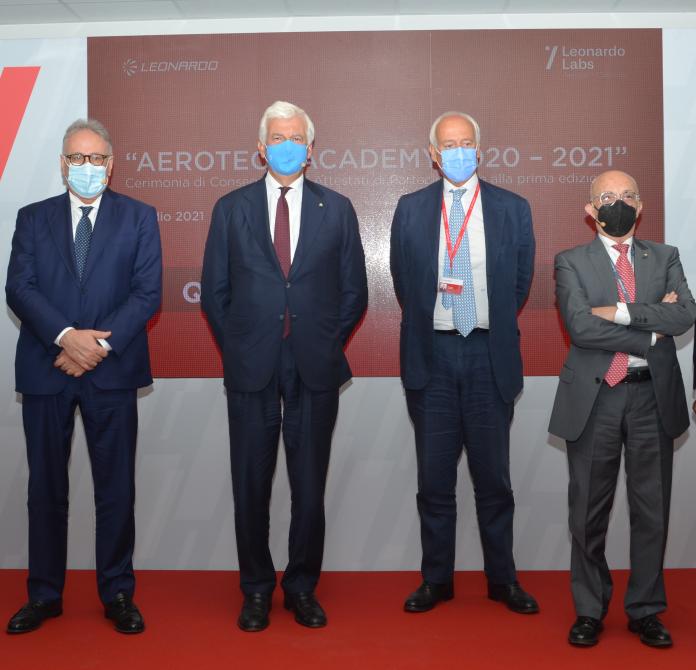 Leonardo: concluso il primo corso dell'Aerotech Academy di Pomigliano d'Arco
