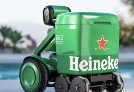 Heineken: ecco il robottino che ti segue ovunque portandoti le birre