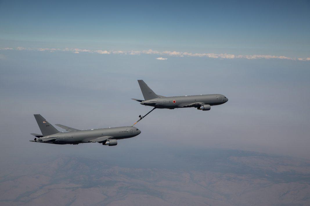 Primo rifornimento in volo per il KC-46A giapponese