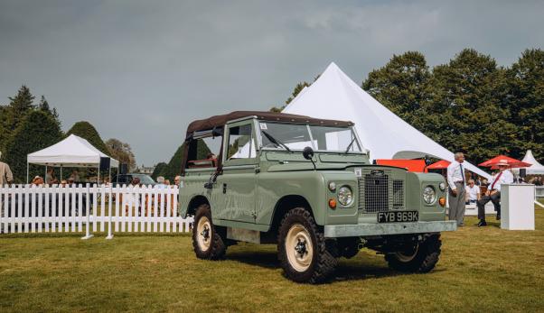 La Land Rover Series IIA debutta al Concorso di Eleganza 2021