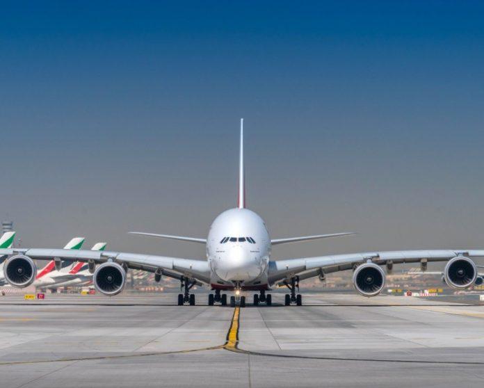Emirates porta per la prima volta l'A380 ad Istanbul