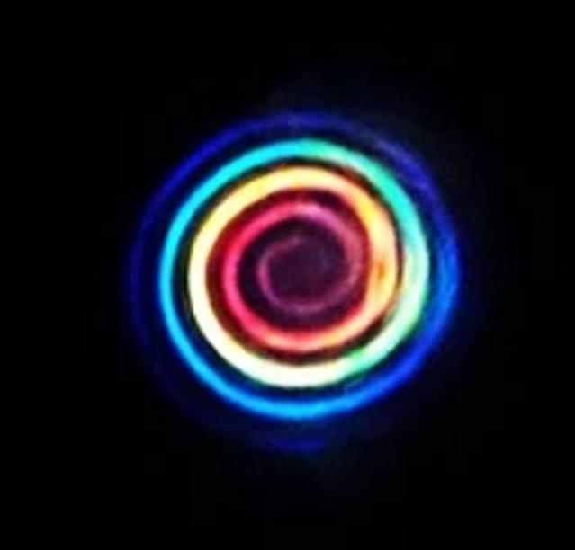 Un arcobaleno di luce per potenziare le telecomunicazioni